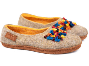 BureBure hand made slippers with colorful silk decoration