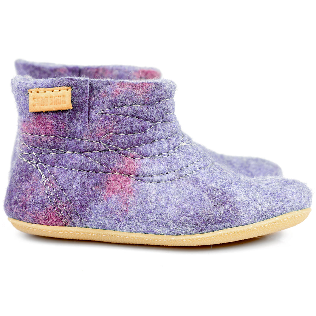 Lilac Cocoon Wooboots: Felted ankle boots for women with short side cut.