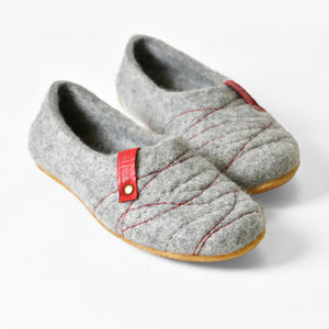 Grey Red COCOON felted wool slippers