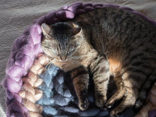 Load image into Gallery viewer, Cat's mat with back support CHUNKY Purple/Gray handmade from pure wool BureBure