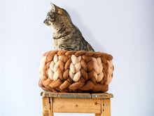 Load image into Gallery viewer, Beige Brown CHUNKY pure wool deep bed for cats, handmade in BureBure studio