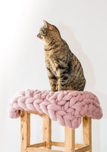 Load image into Gallery viewer, Oblong cat mat CHUNKY Pale pink made by hand, natural wool