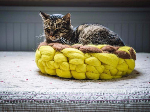 CHUNKY yellow/brown hand knitted round bed, woolen healthy natural