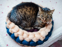 Load image into Gallery viewer, CHUNKY beige/brown/petrol round bed for cat. cozy spot, hand knitted, natural wool