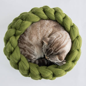 Chunky grren grey merino cat cot round bed for your beloved cat, hand felted, pure wool