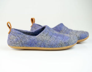 Purple Light COCOON handcrafted woolen slippers for men with pull loop
