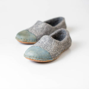 Denim Toe Woocaps Natural sheep wool clogs with naturally edged recycled denim leather toe caps