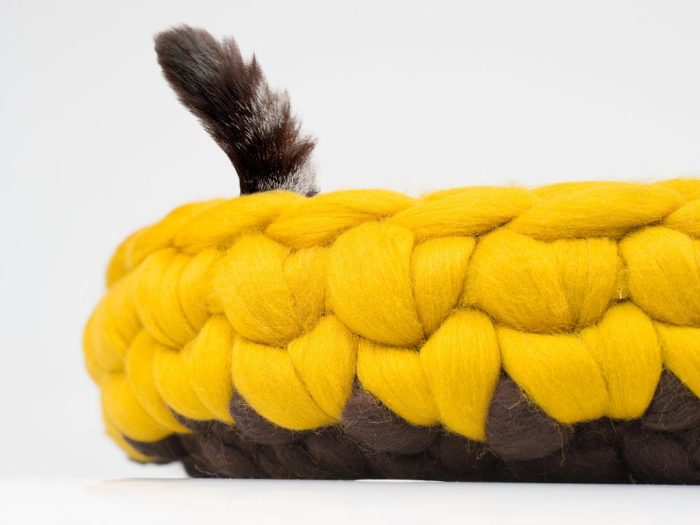 CHUNKY yellow/brown hand knitted kitty bed-basket. Rounded shape, perfect home detail