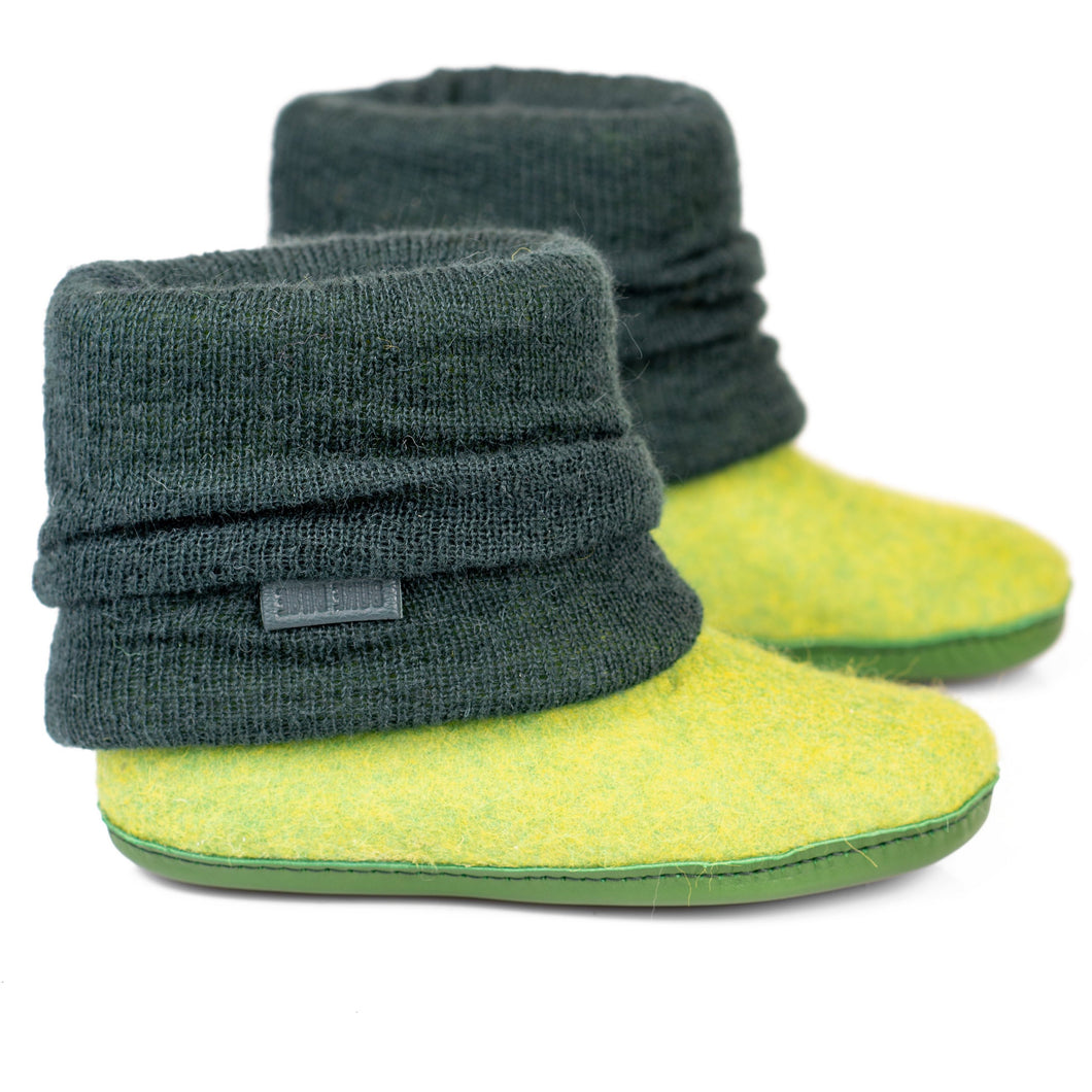 Spring Green ladies woolen boots with hand knitted leg warmer