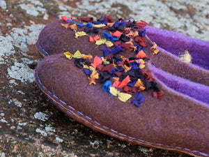 Hand felted woolen flat slippers for women with silk decor on surface