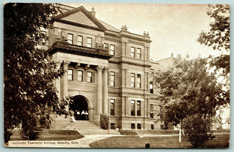 Greeley Colorado~STudents on Steps Under Arch~Old Main @ Teacher's College c1913