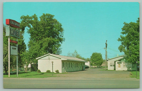 Sioux Falls South Dakota~Edgewood Roadside Motel~Bob & Dorothy Lacey~c1950 PC