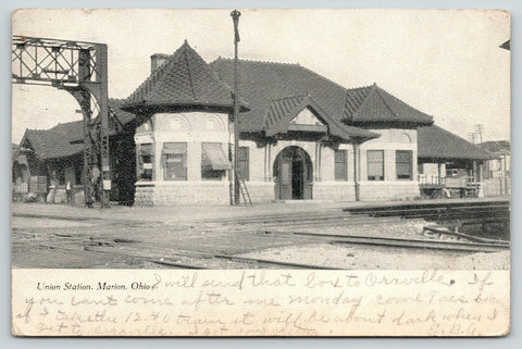 Marion Ohio~Door Open to Union Station~Ladder Leans Against Pole 1909 Postcard
