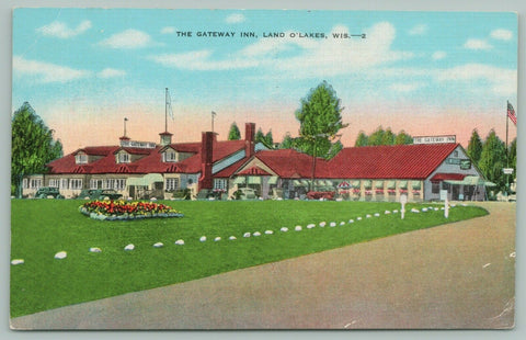 Land O'Lakes Wisconsin~The Gateway Inn~c1940~Linen Postcard