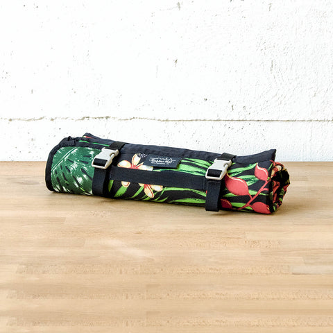 Meadow Mat Waterproof Blanket (Aloha)