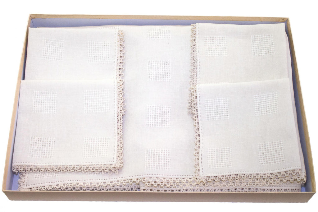 Tablecloth type 300 Classic with 6 napkins in pure linen hand-made in