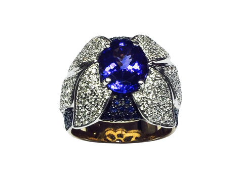 Handcrafted Leaves Ring with round diamonds and natural bluesapphire