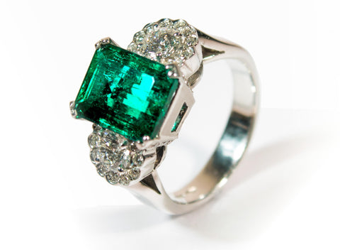 Handcrafted Emerald Daisy Ring with diamonds and natural emeral