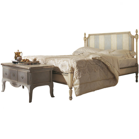 Art.401 – Melograno double bed with strips pattern