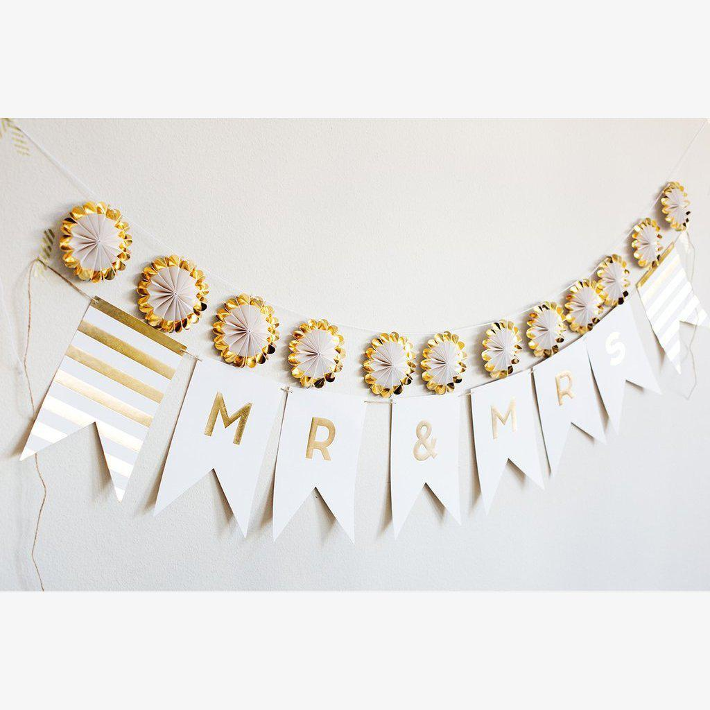 Mr & Mrs Gold Foil Banner Bunting Wedding Decorations Bridal Shower-Party Love