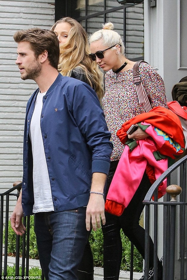 Miley Cyrus and Liam Hemsworth back again for real