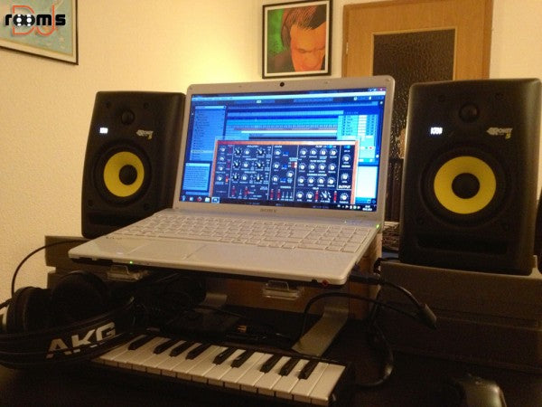 5 Essential Components for Your Home Studio