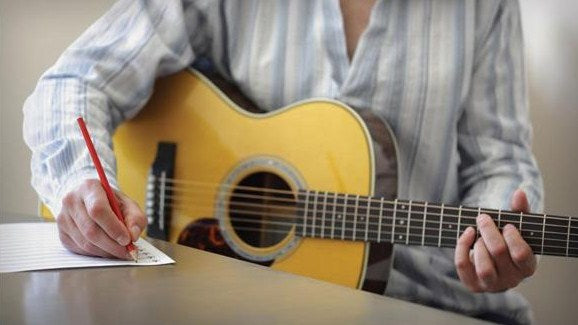 4 Awesome Tips for Effective Song Writing