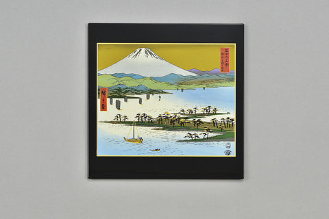 "Mouse Pad ""Lacquer Craft Mouse pad Mihonomatsubara and Mt. Fuji (B)"" - JapaneseGoods.jp"