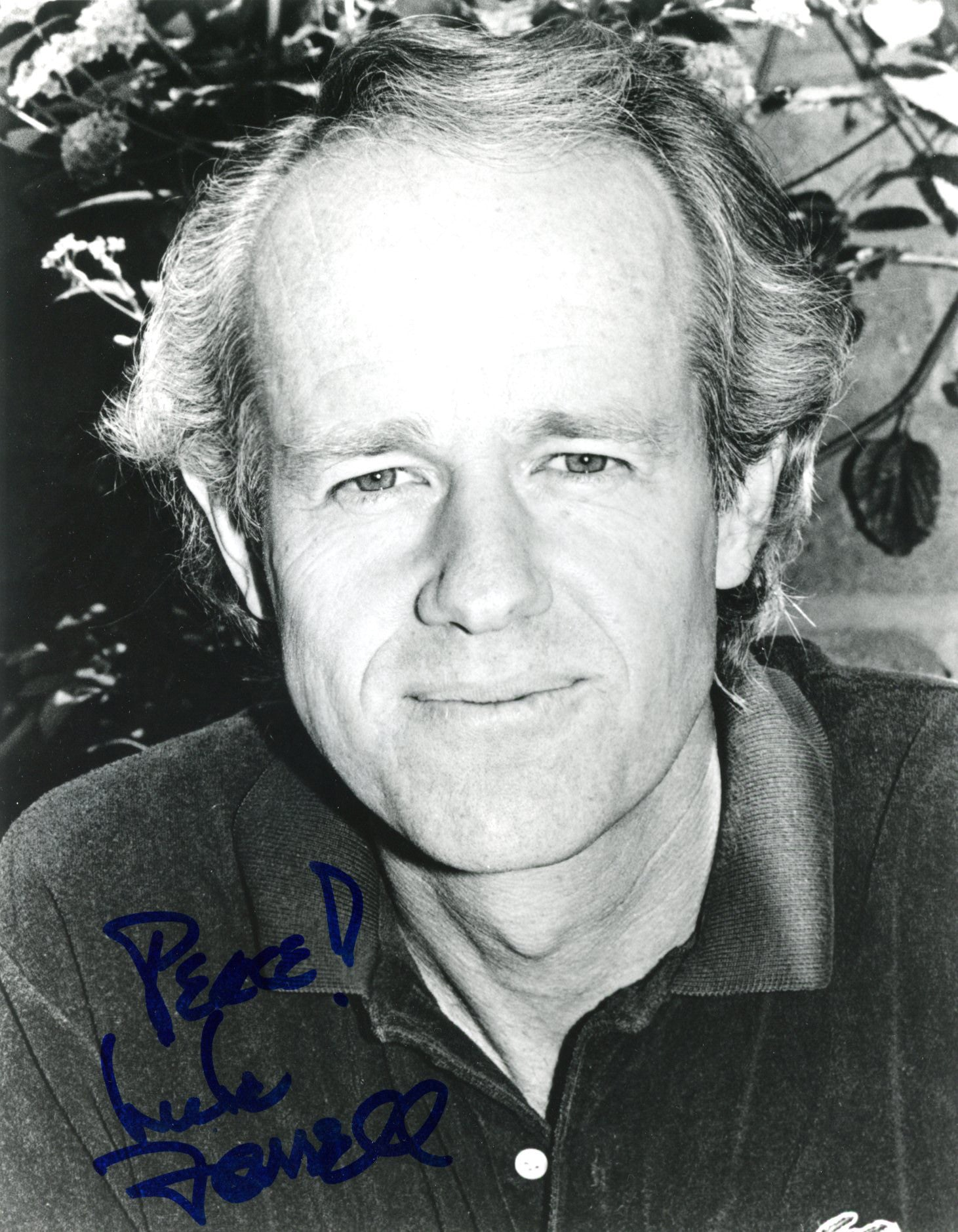 Mike Farrell Autograph