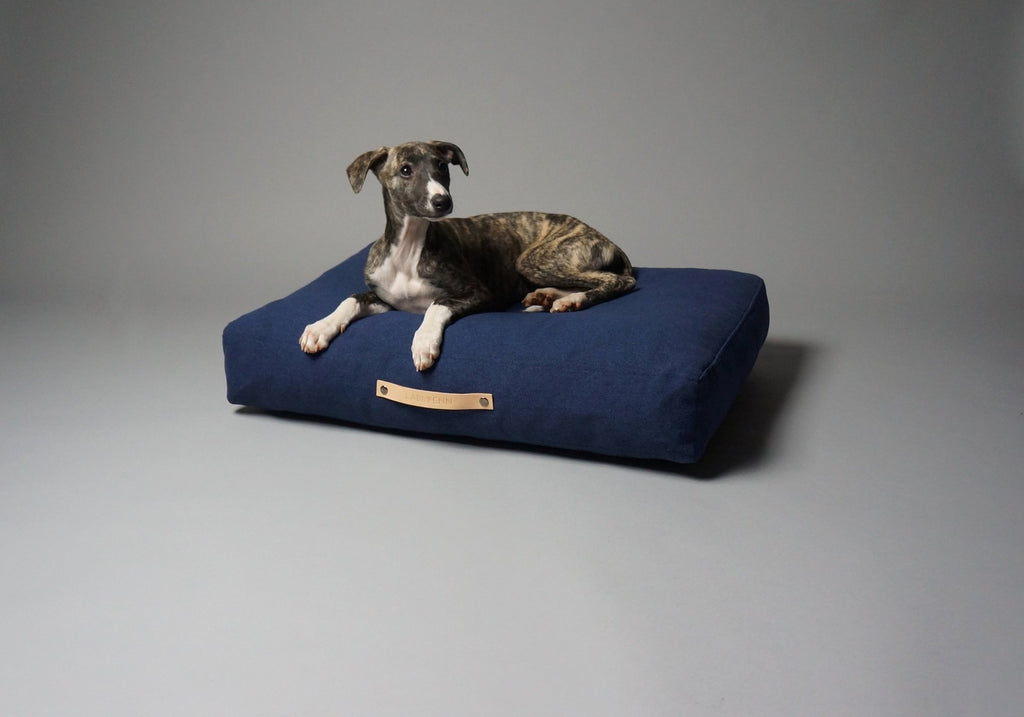 Labbvenn Stockholm Dog Bed in Navy - PurrfectlyYappy