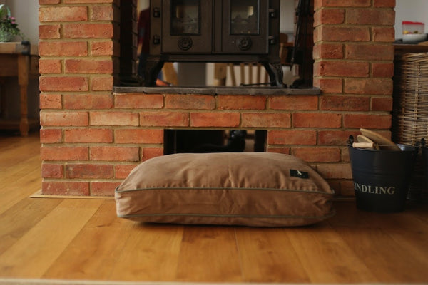 Hunt & Wilson Personalised Luxury Dog Bed in Luxury Cushion