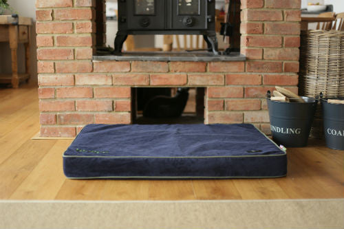 Hunt & Wilson Personalised Luxury Dog Bed in Memory Foam - PurrfectlyYappy