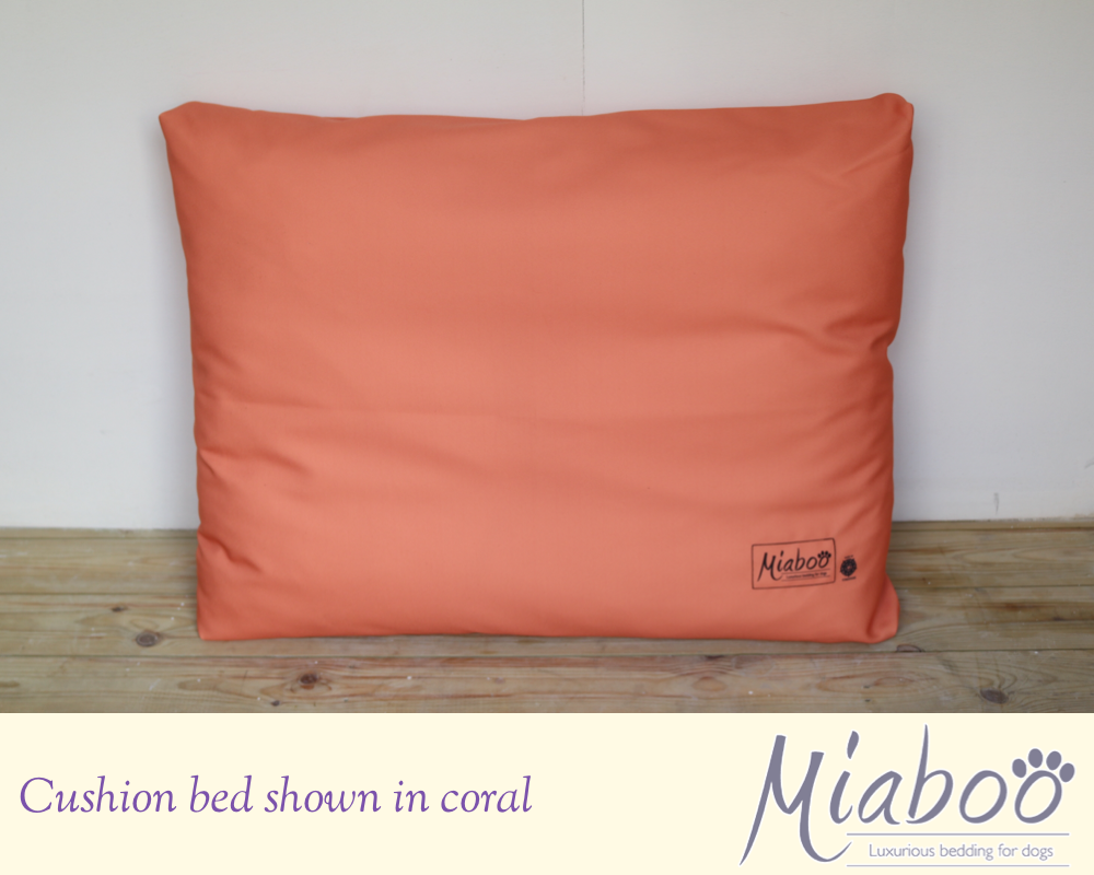 Miaboo Bold & Simple Cushion Bed