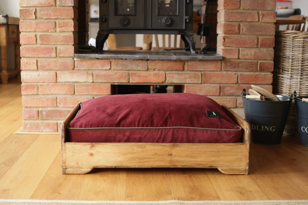 Hunt & Wilson Luxury Dog Bed Corduroy in Wine - PurrfectlyYappy