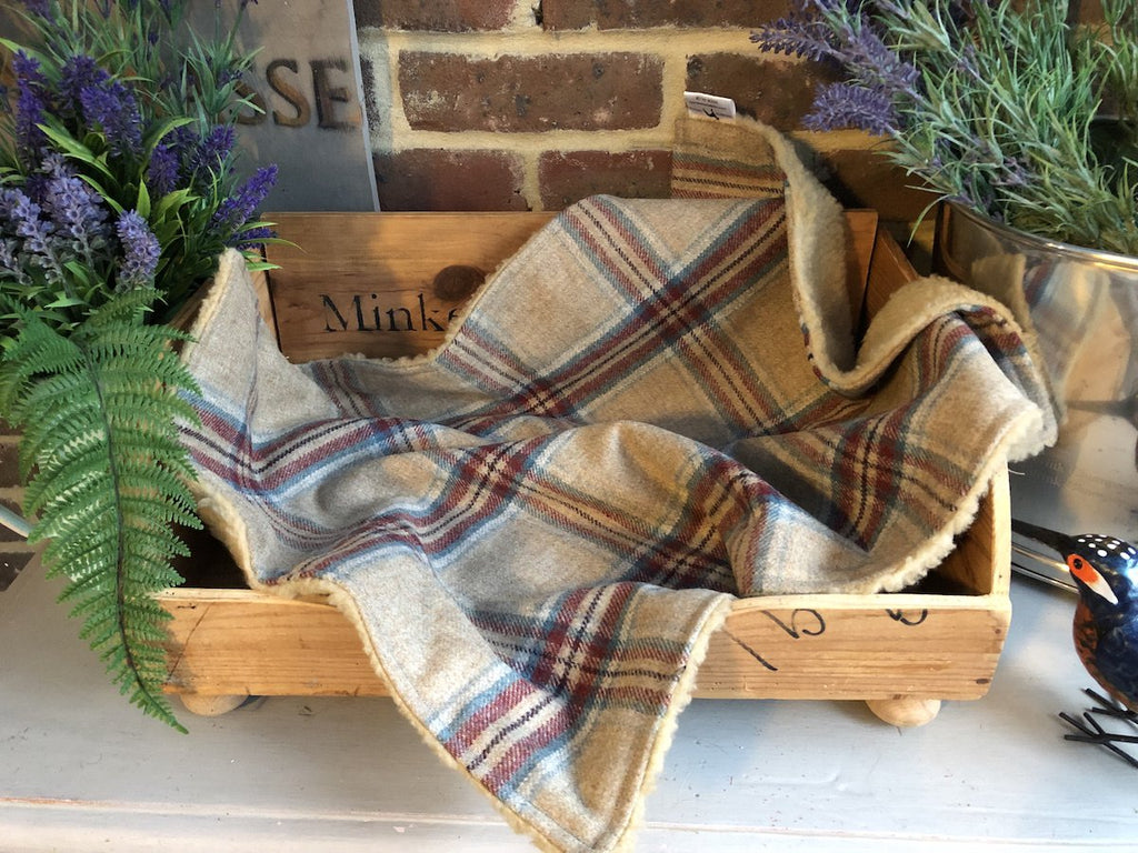 Minkeys Tweed Luxury Pet Blanket in Fergus
