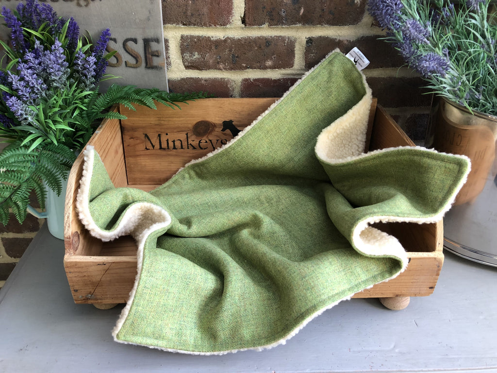 Minkeys Tweed Luxury Pet Blanket in Mojo