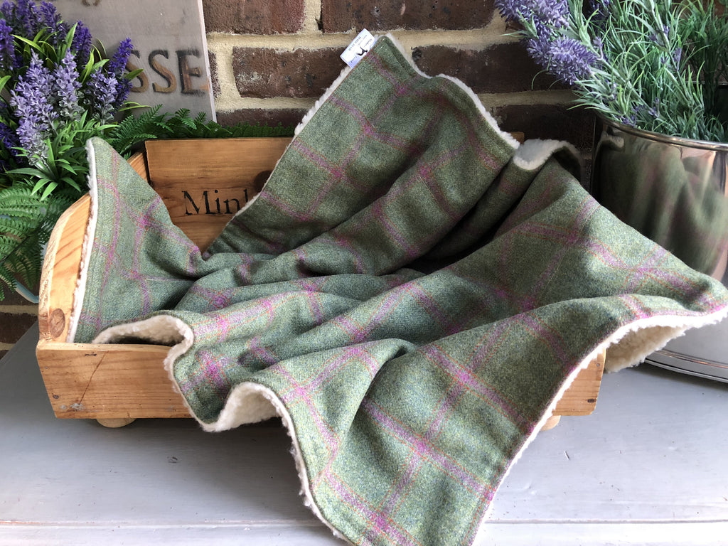 Minkeys Tweed Luxury Pet Blanket in Raspberry Green