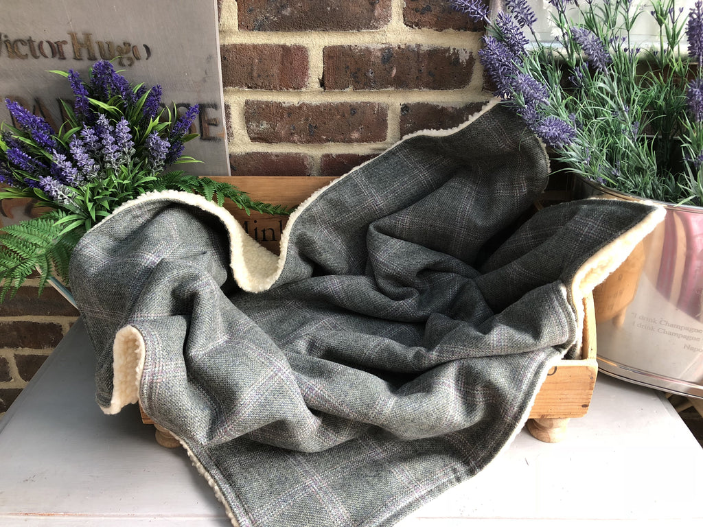 Minkeys Tweed Luxury Pet Blanket in Moss Green Jasper