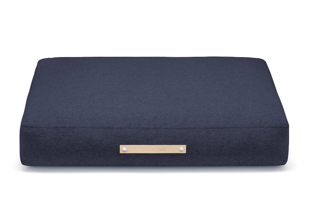 Labbvenn Stockholm Dog Bed in Navy