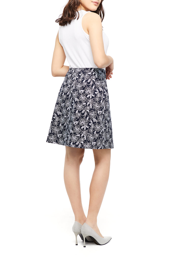 Emily Navy/White Flower Skirt