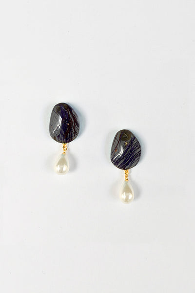 Pebble Drop Pearl Earrings