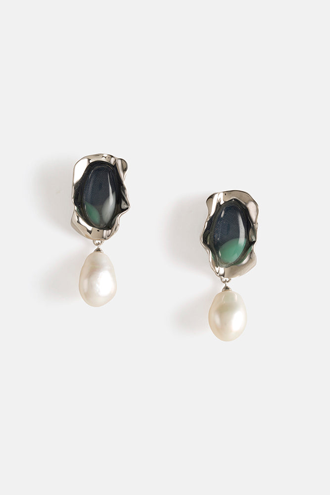 Mini Sabra Pearl Earrings