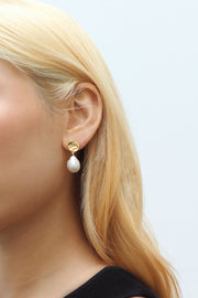 Payo Pearl Earrings