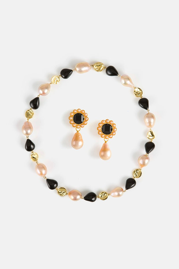 Primula Earrings & Barie Pearl Choker Gift Set