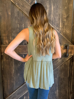 Washed Trim Tank Top in Olive