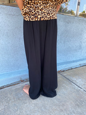 Tulip Pants with Drawstring in Black