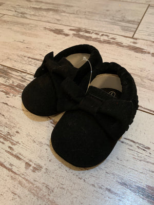 Slip On Moccasin with Bow in Black