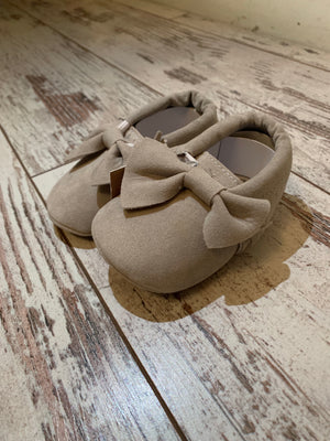 Slip On Moccasin with Bow in Grey