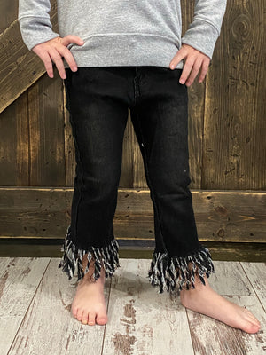 Frayed Raw Hem Skinny Jean in Black