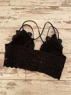 Scalloped Lace Bralette in Black